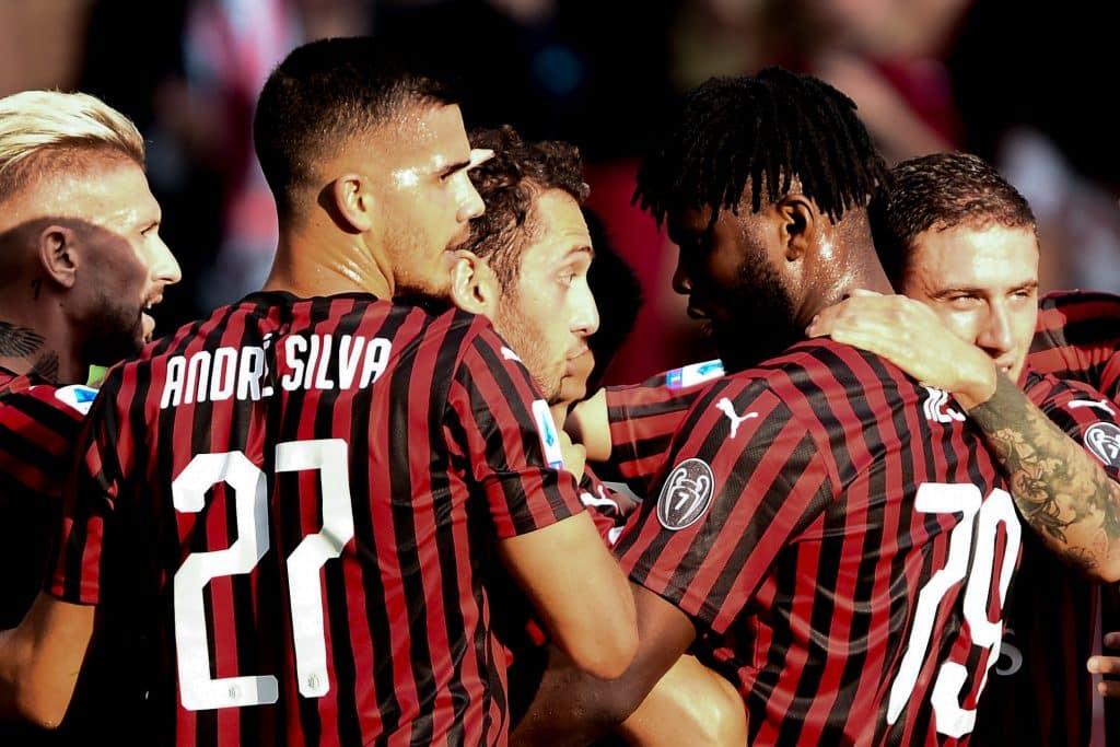 esultanza gol Calhanoglu, Milan-Brescia