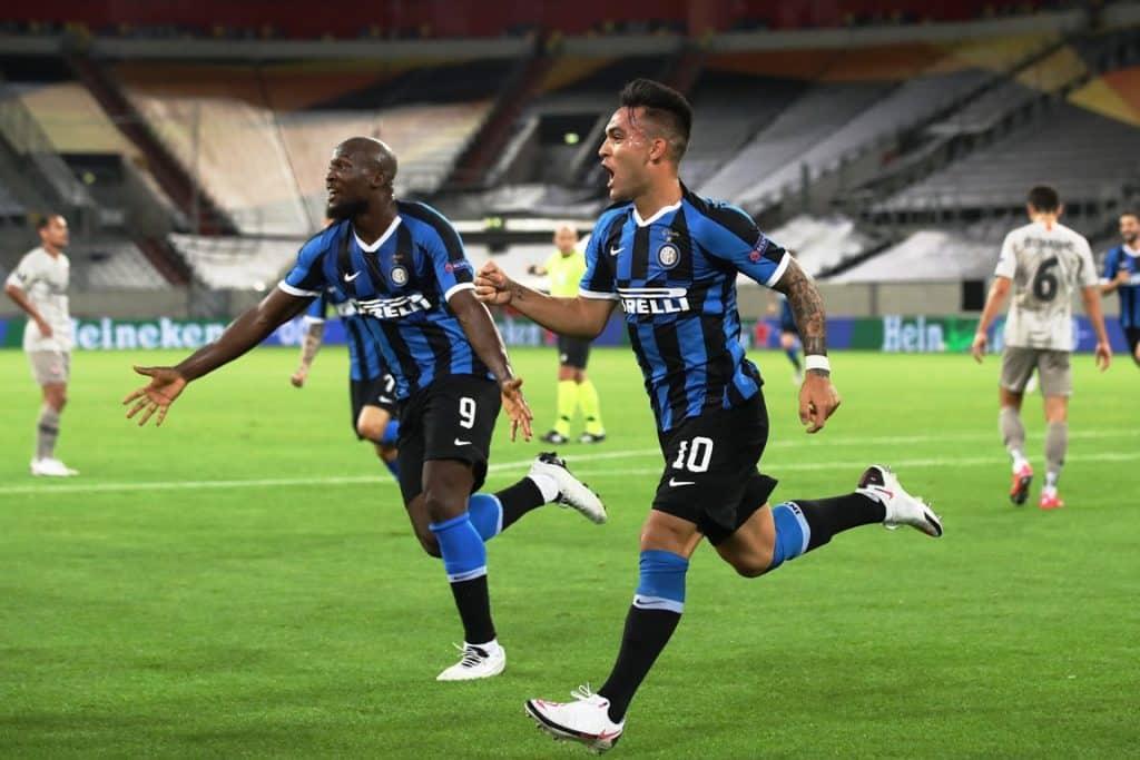 esultanza gol Martinez e Lukaku, Inter-Shakhtar