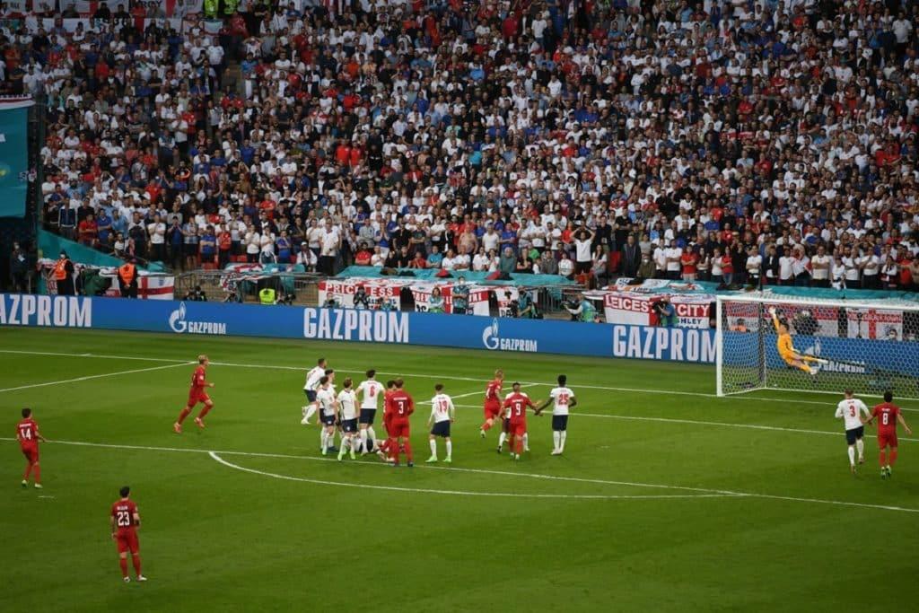 gol Damsgaard, Inghilterra-Danimarca